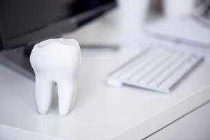 Zahnersatz aus dem 3D Drucker werden schon bald Realität.